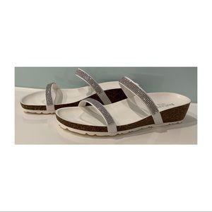 Women Barletta sparkly flats slip on cork-look wedge size 9 size 40 white silver